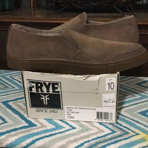 NEW Never Worn FRYE Sheepskin Lined Slip On Shoes